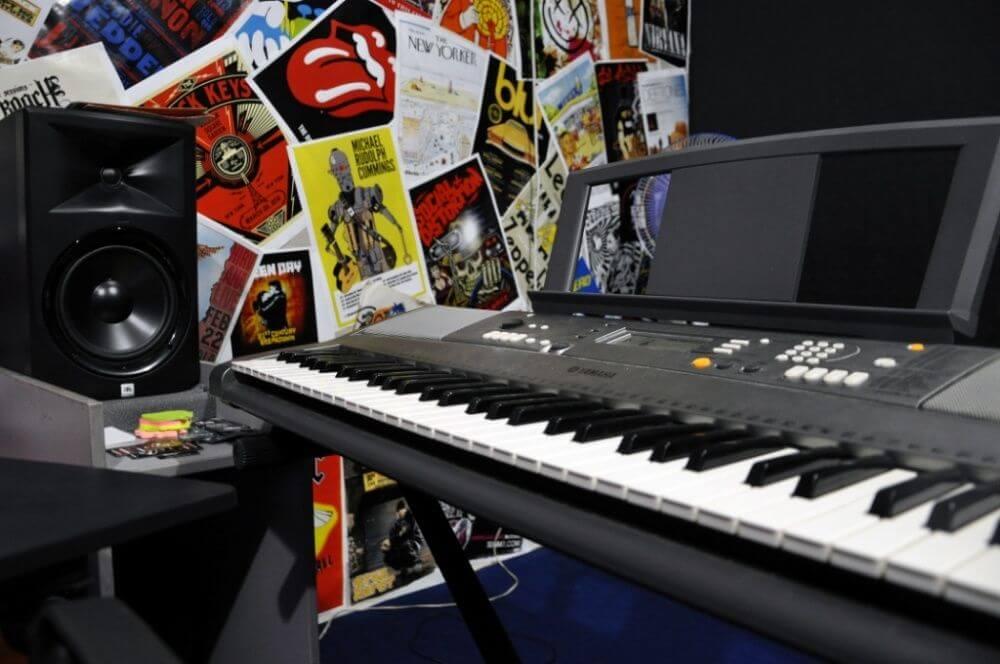 Уроки игры на пианино в Алматы